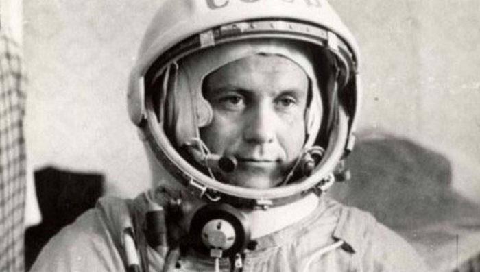 З нагоди 90-річчя від дня народження льотчика-космонавта Павла Романовича Поповича